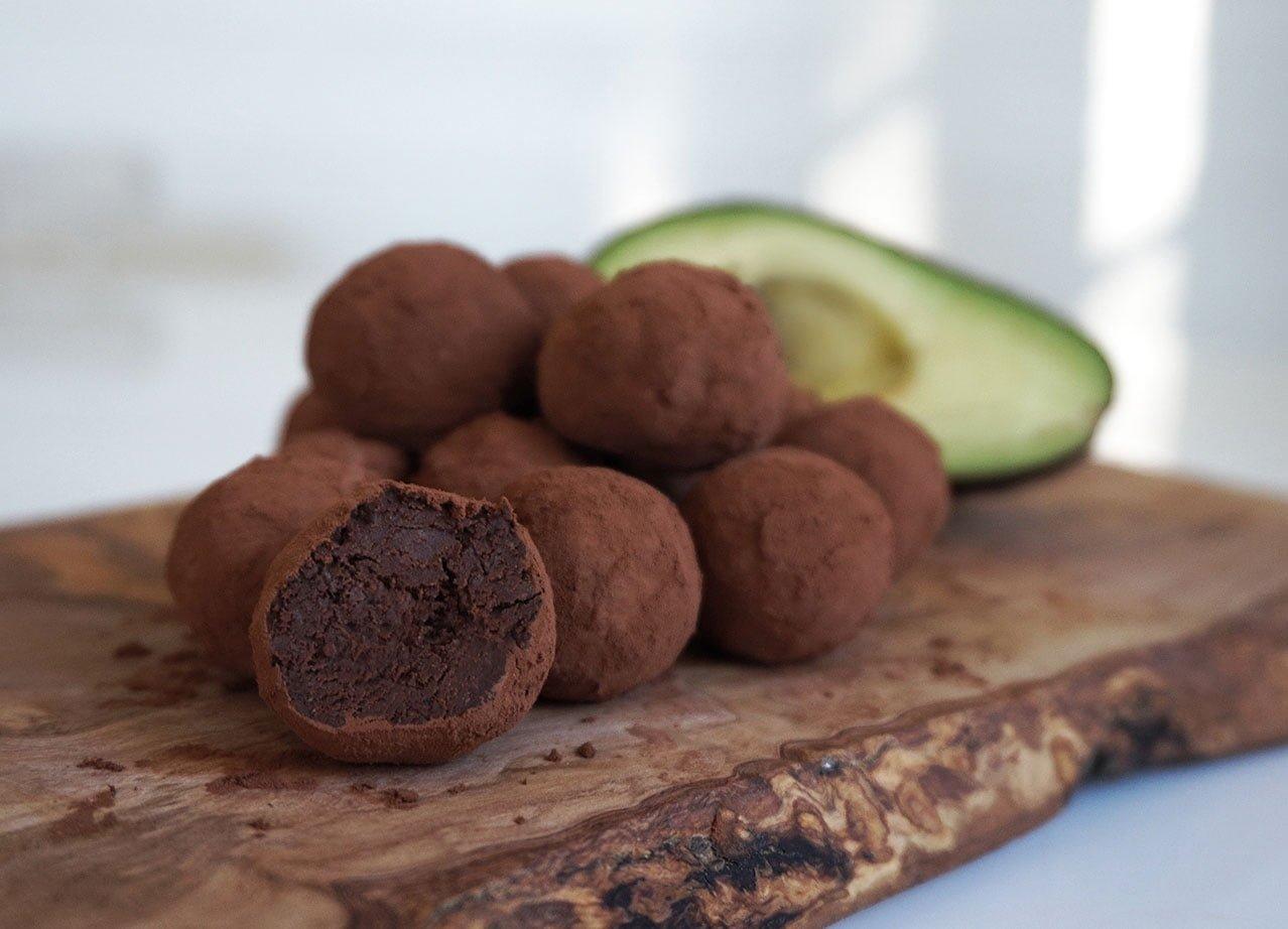 chokladbollar med avokado raw