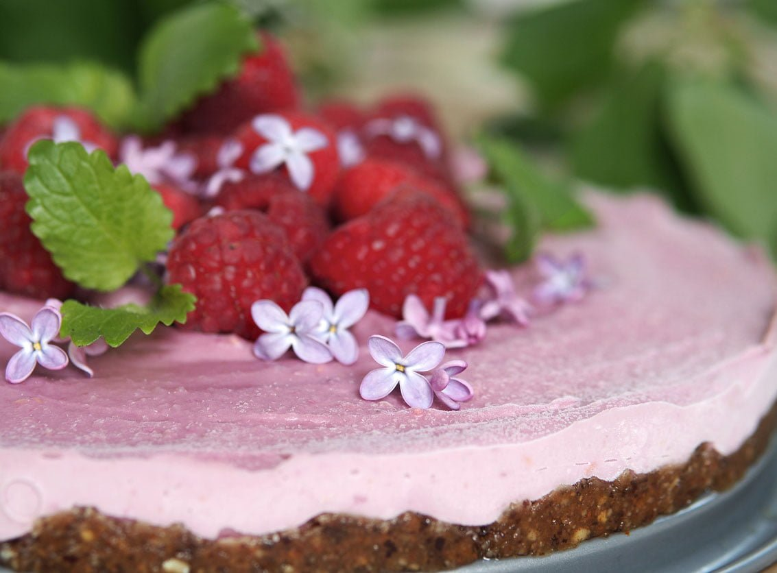 Raspberry love raw vegan hallon cheesecake