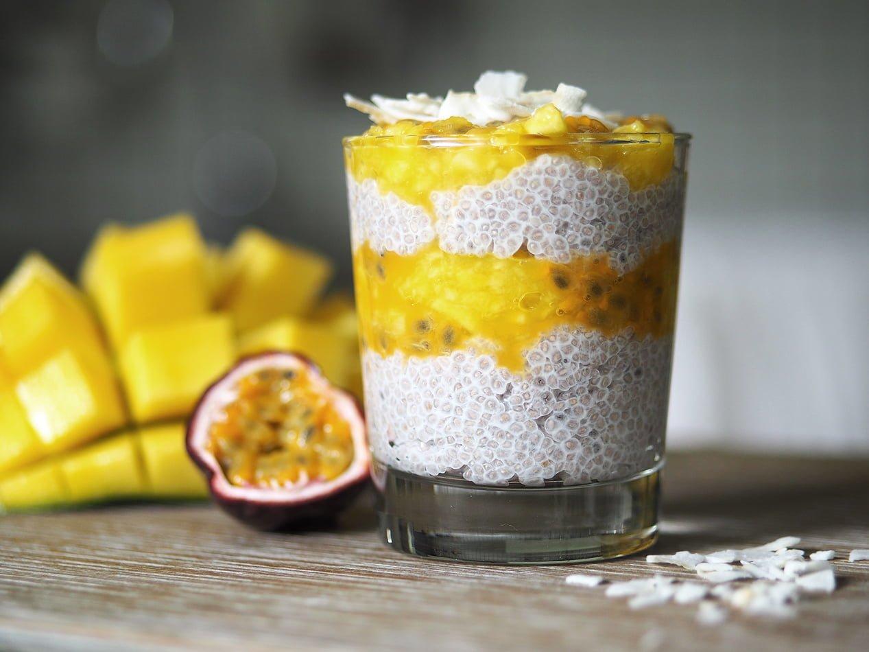 chiapudding med mango och passionsfrukt
