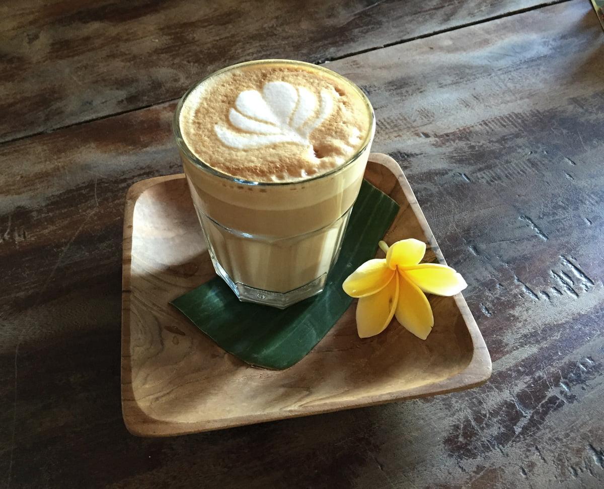 bali canggu coconut latte