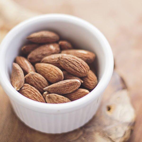 mellanmål nötter