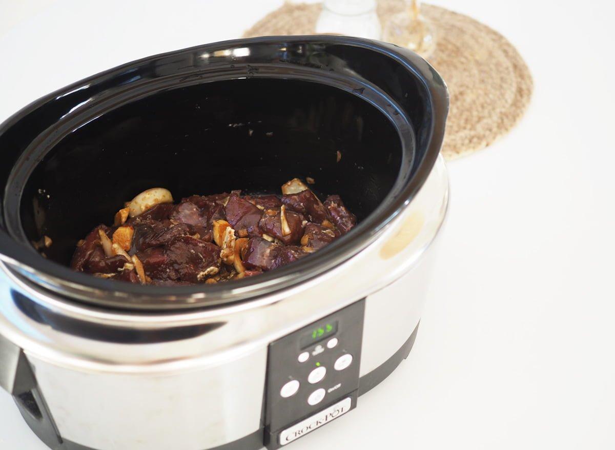 kryddig köttgryta ingefära crock-pot
