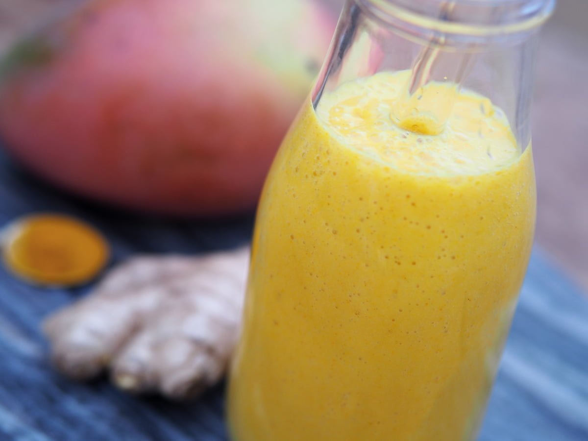 Gurkmeja smoothie mango