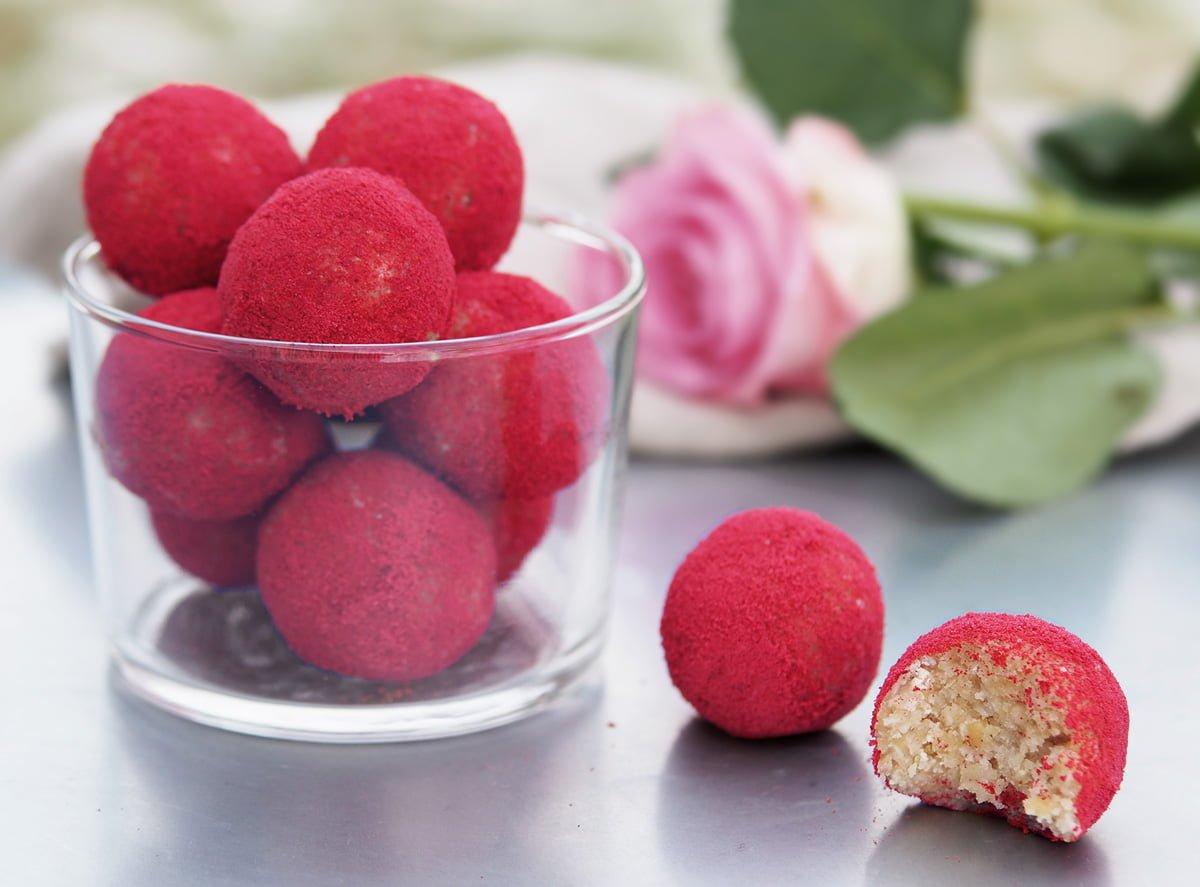 röda rawbollar alla härtans dag