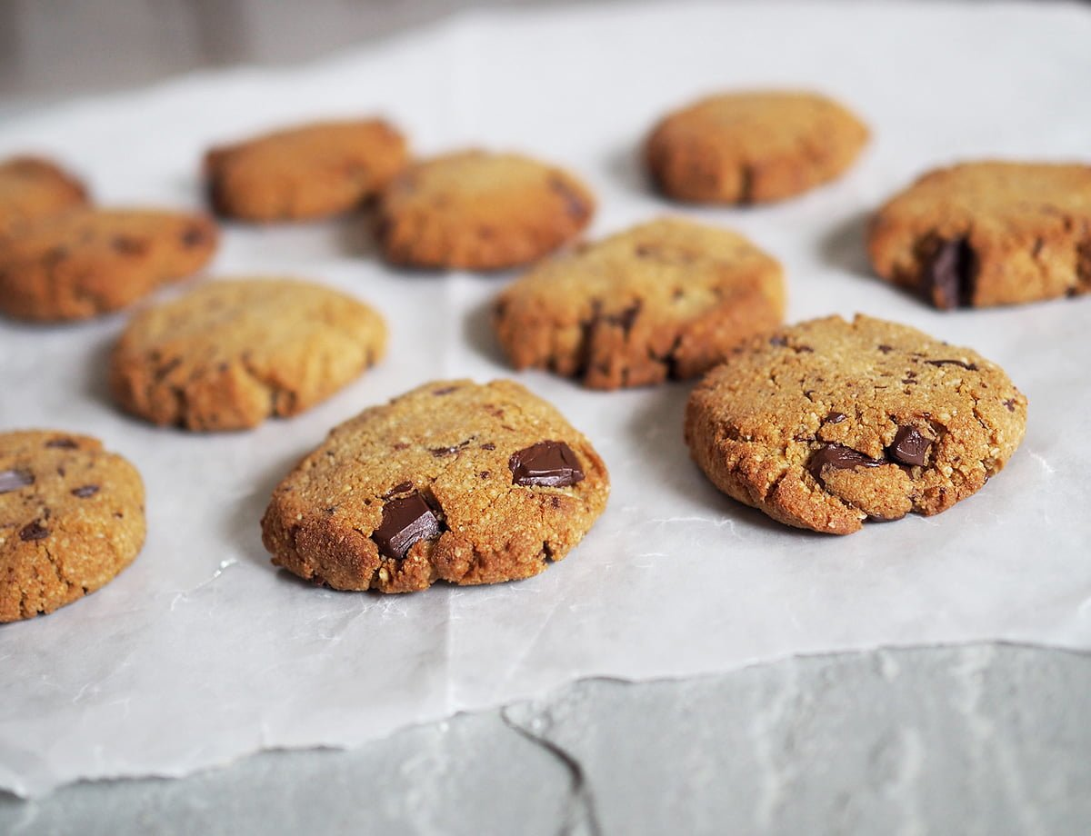 chocolate chip cookies paleo