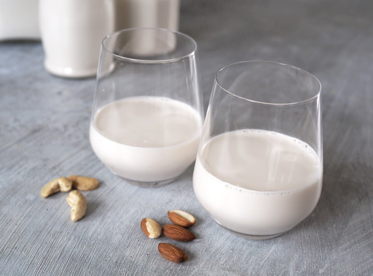 Hemmagjord nötmjölk
