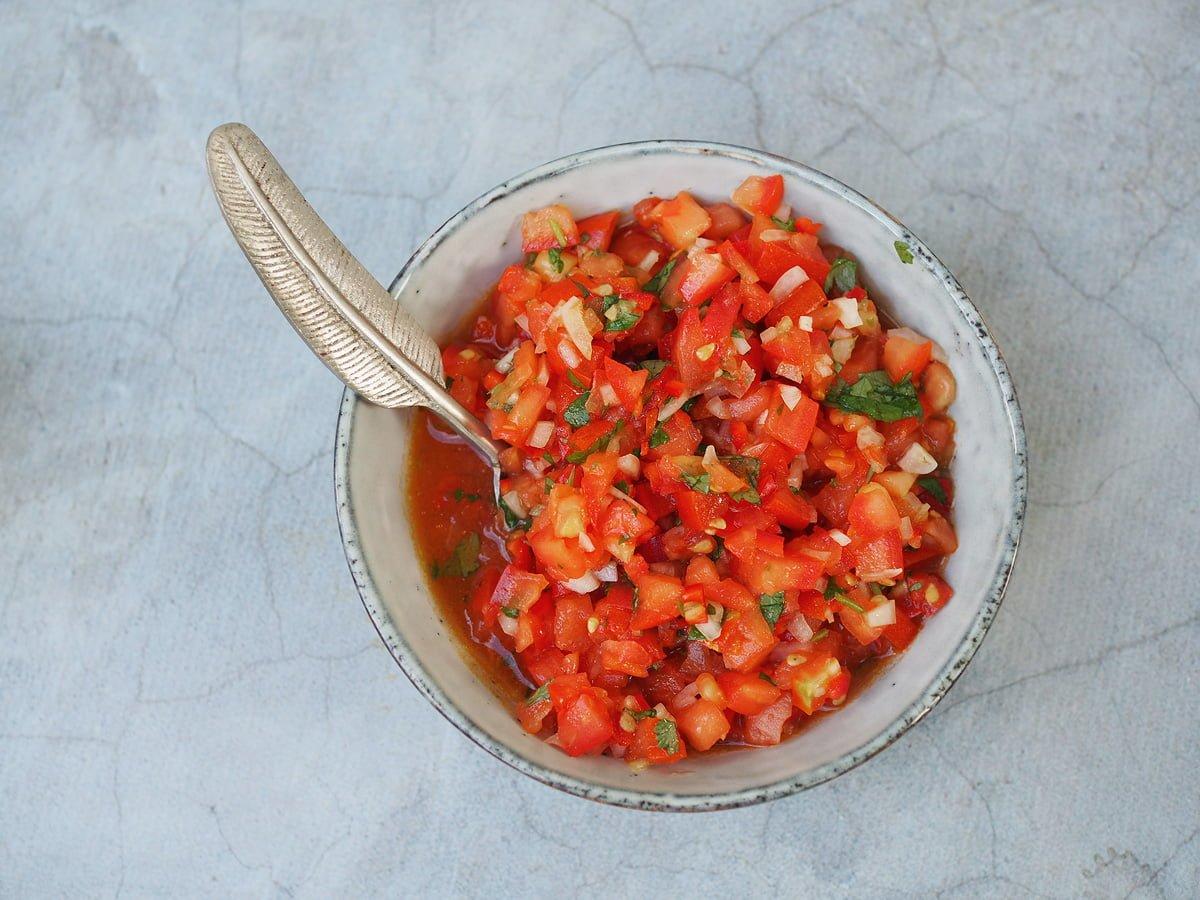 hemmagjord salsa med koriander