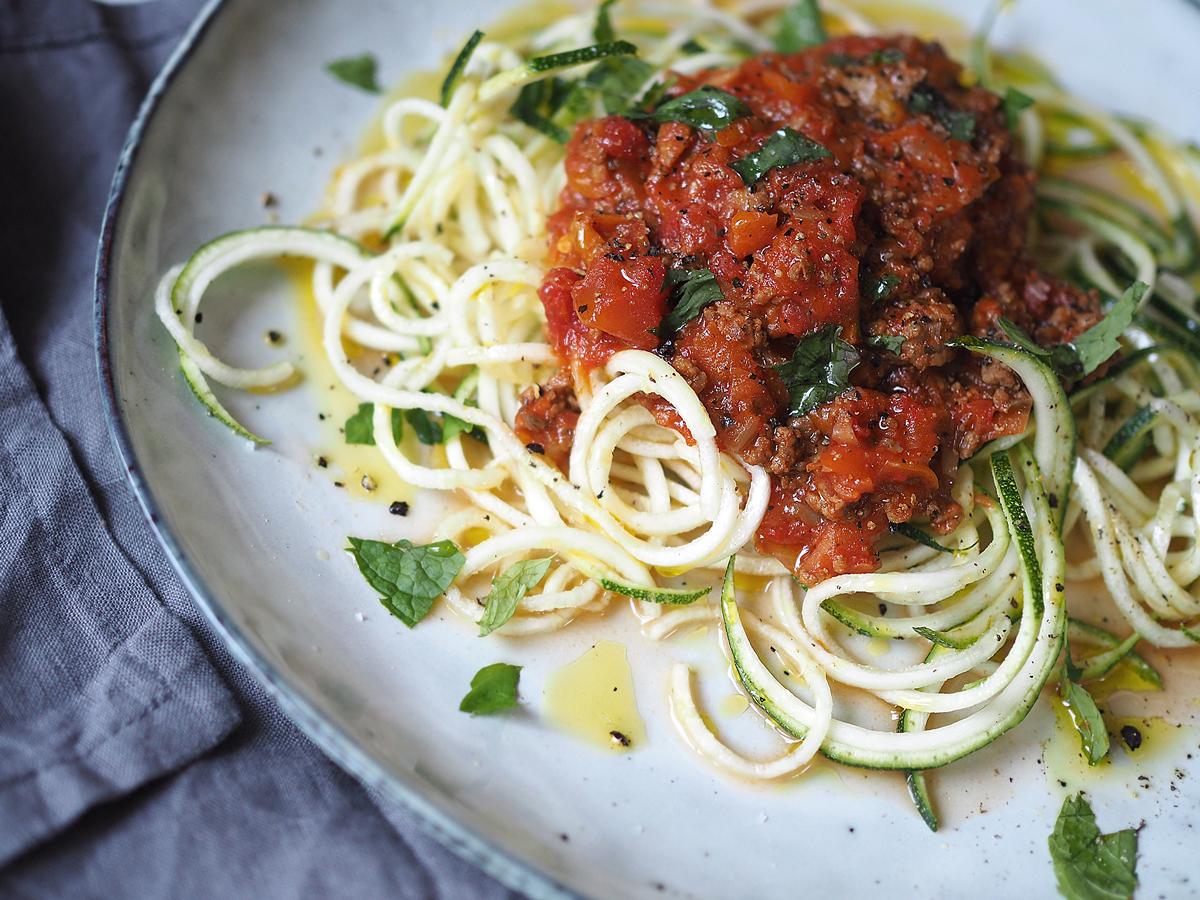 zoodles med köttfärssås zucchinirecept