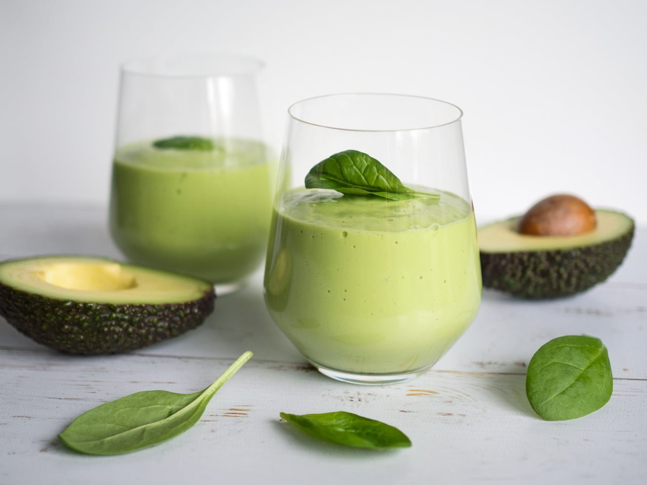 grön smoothie spenat avokado