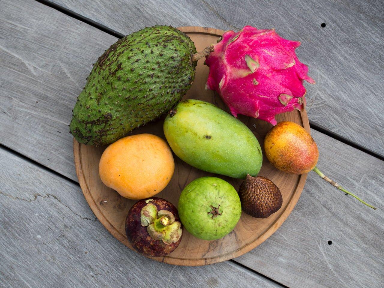 Spannande Frukter Pa Bali Ceciliafolkesson Se Naturlig