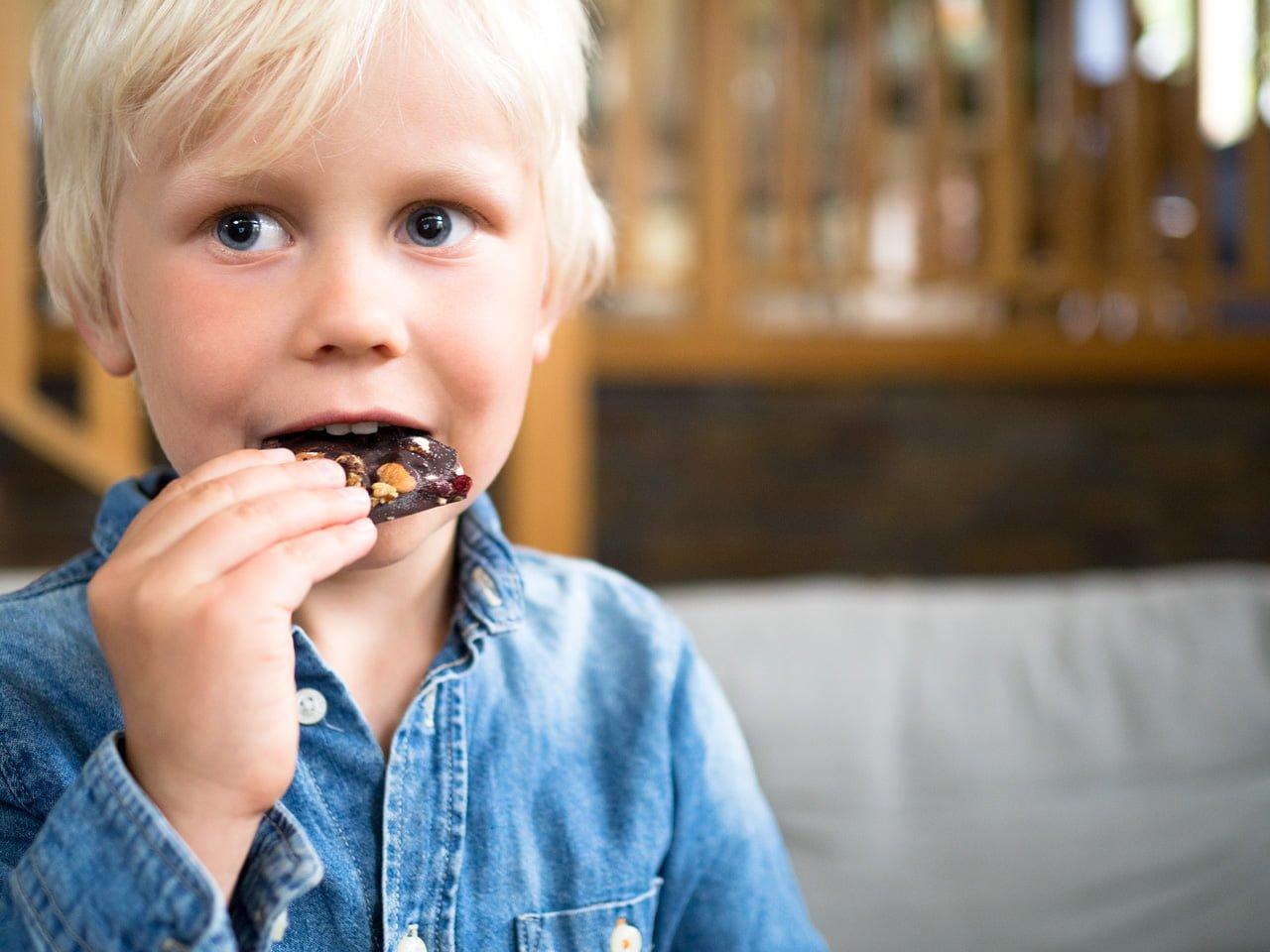 Hemmagjord mörk choklad barn
