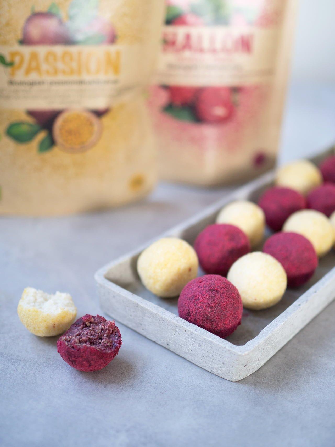 Glutenfria rawbollar med bärpulver