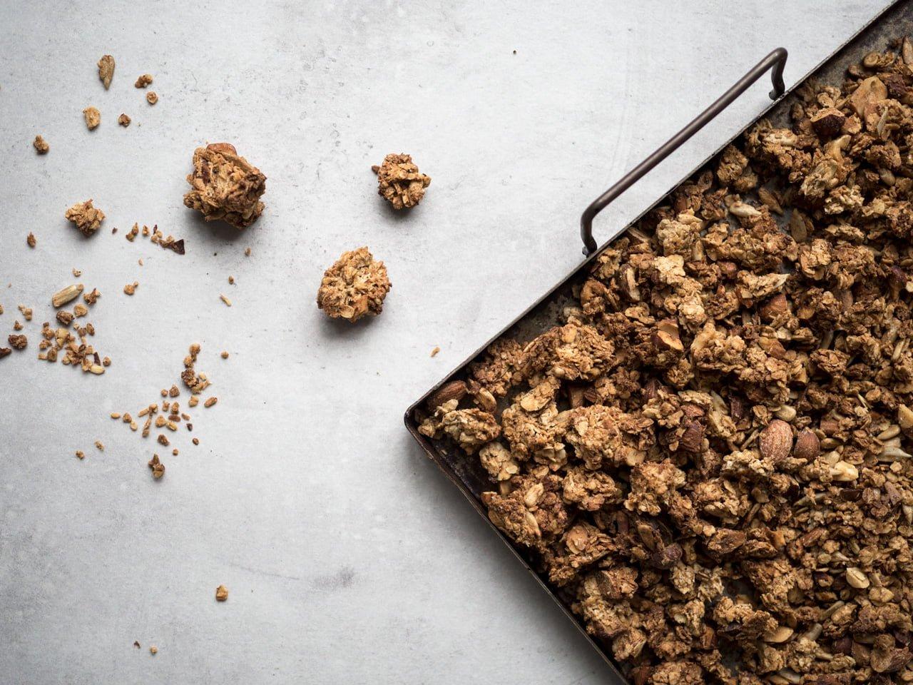 crunchy glutenfri pepparkaksgranola